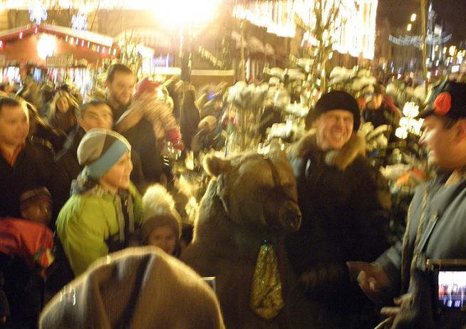 медведь на Красной площади.JPG