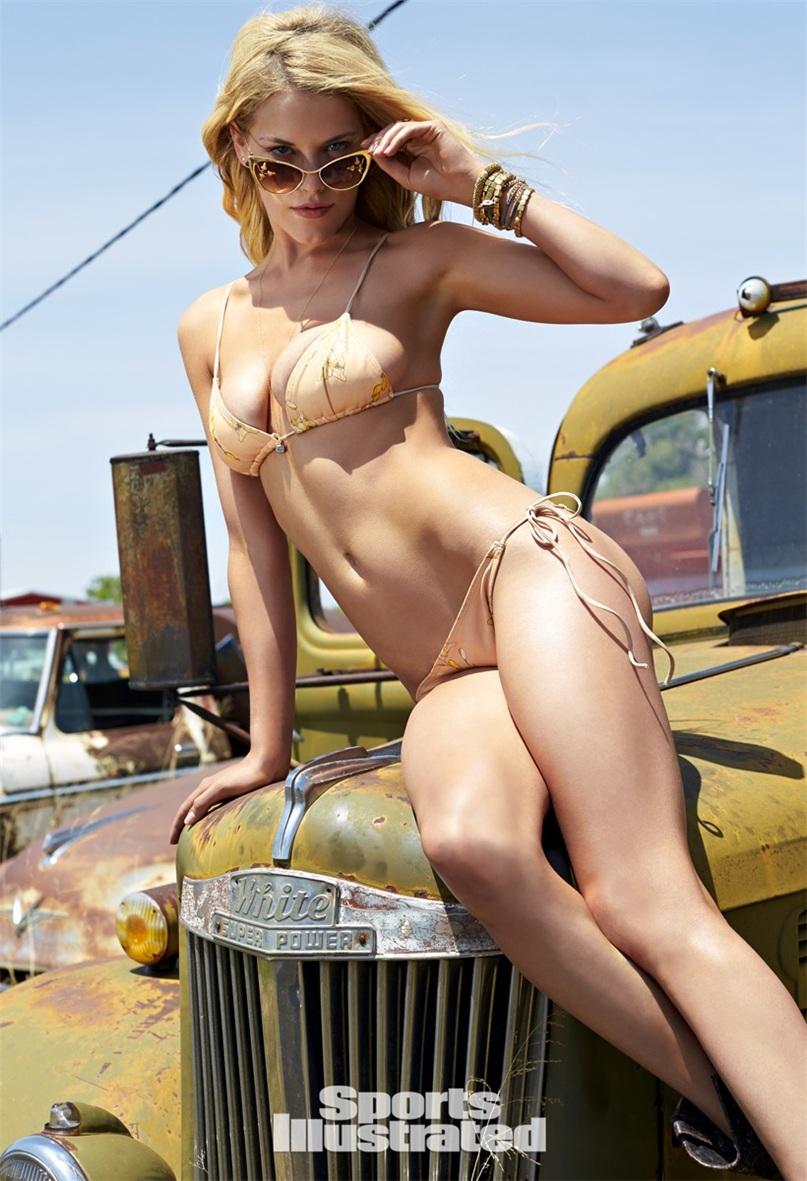 Эшли Смит в купальниках Sports Illustrated Swimsuit 2015 - Ashley Smith by Ben Morris on U.S.Route 66