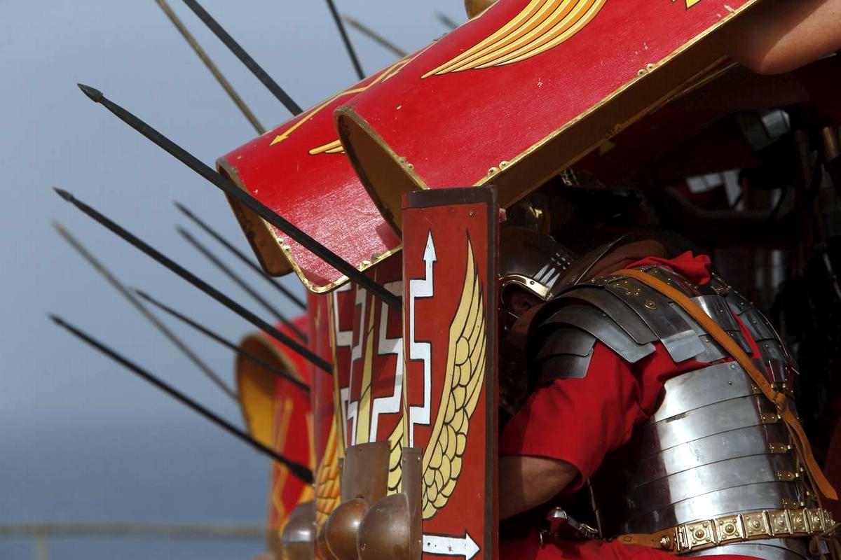 Легионеры армии Древнего Рима: Современный вариант попытки захвата острова Мальта (9)