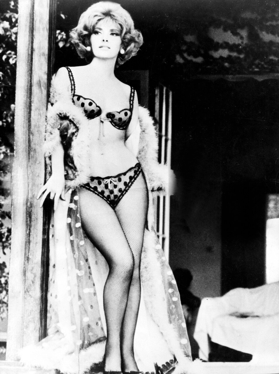 Gina LOLLOBRIGIDA in 'Die Falle' 1968