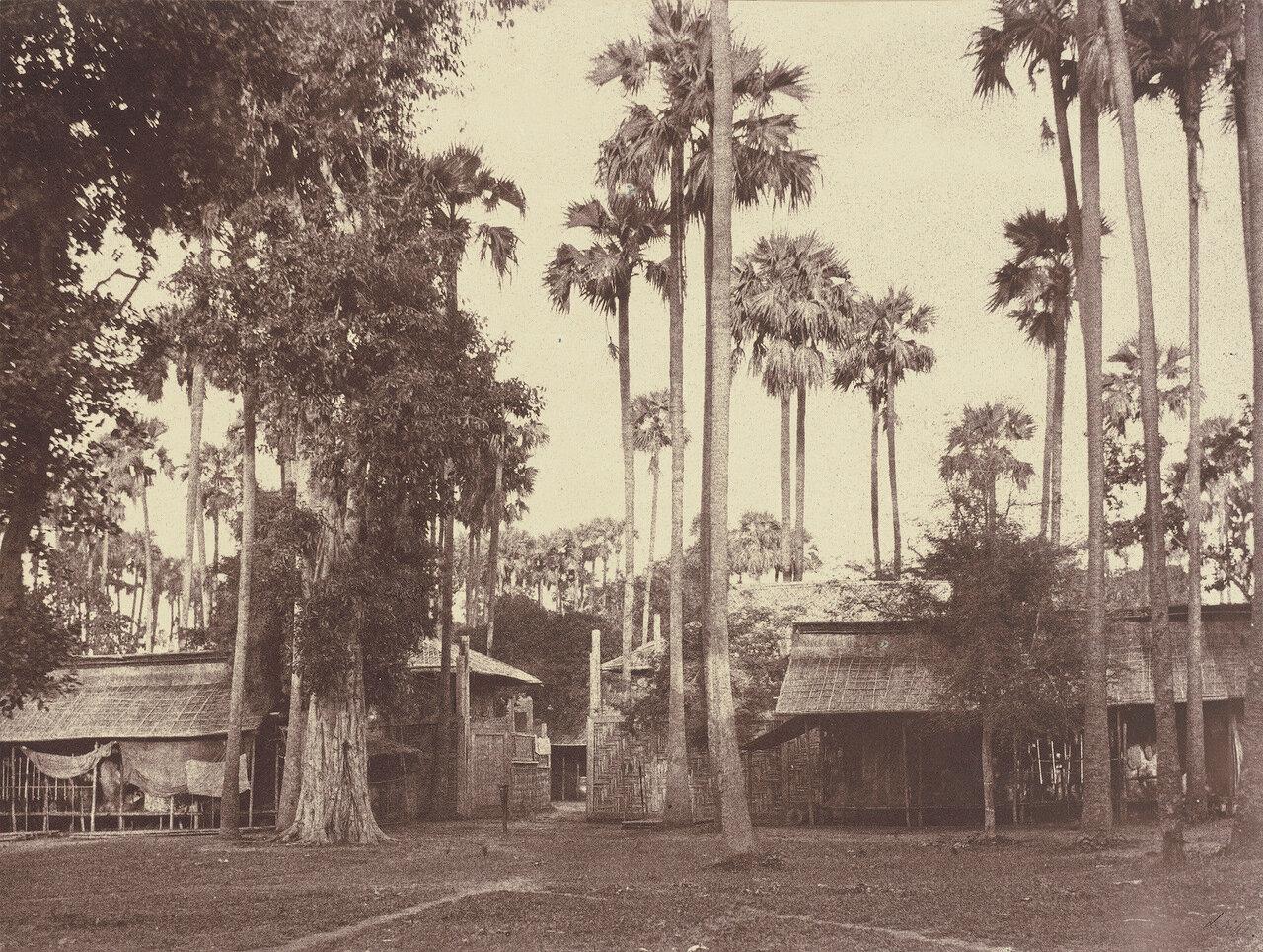 Амерапура. Западные ворота резиденции