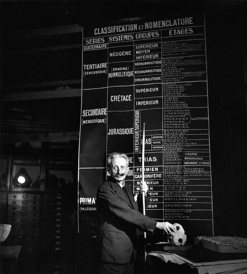 1943. Профессор Шарль Жакоб в Лаборатории геологии. Сорбонна