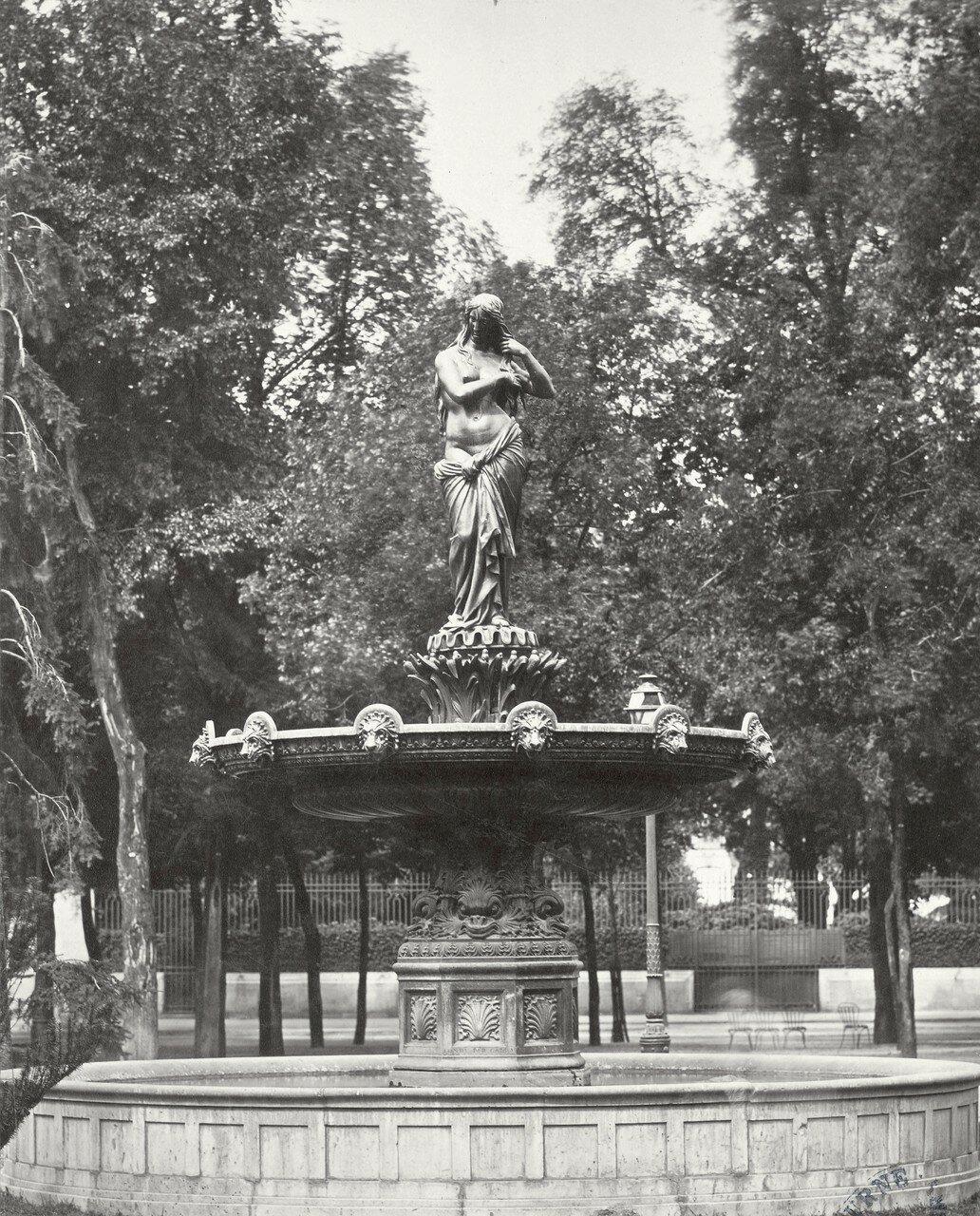 1860-е. Фонтан «Венера» на Елисейских Полях