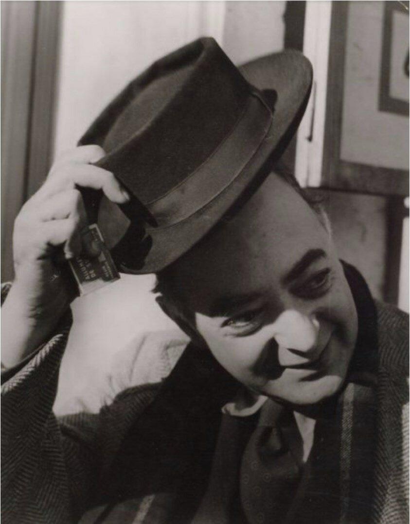1953. Портрет Брассая. Париж