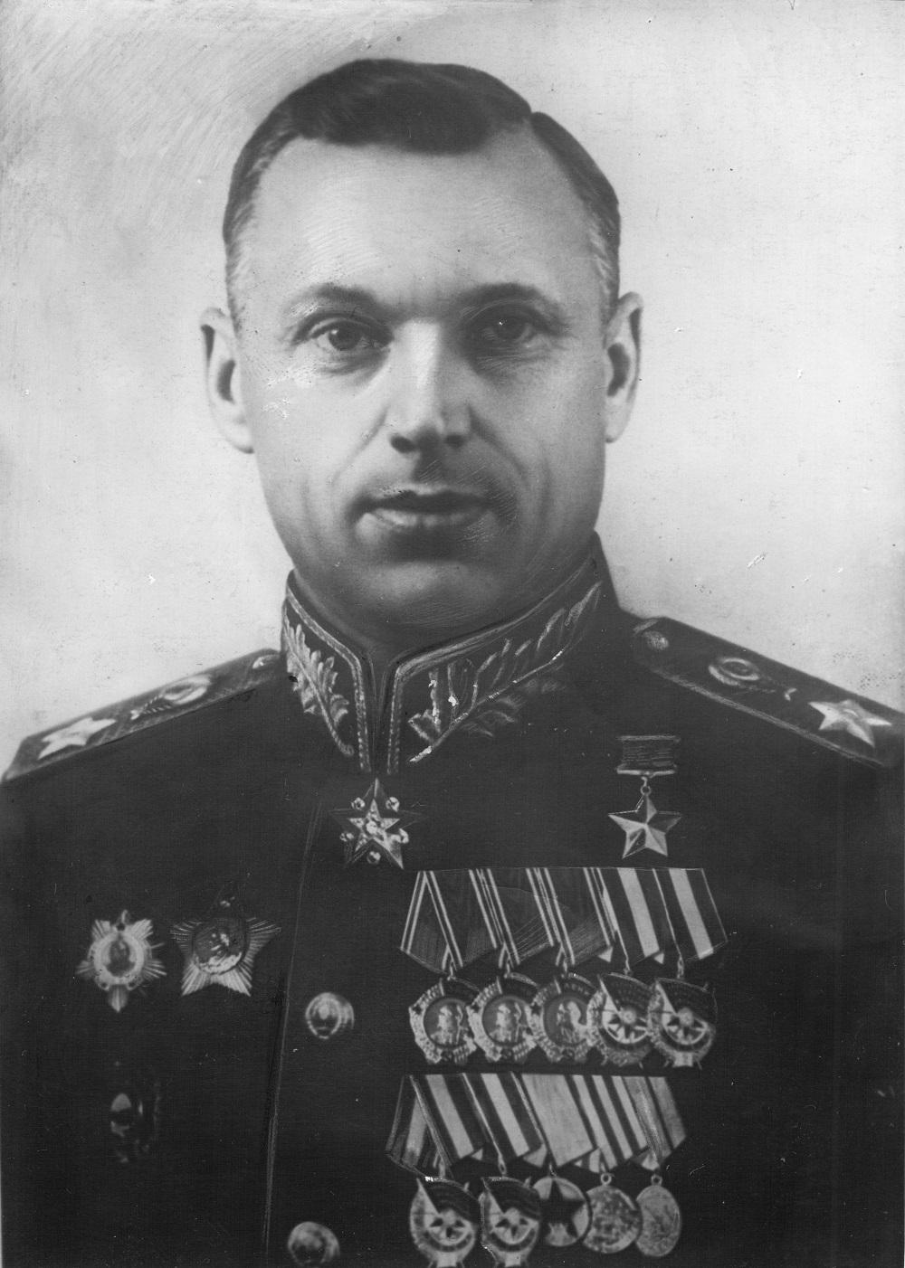 Маршал Советского Союза К.К. Рокоссовский, 1945 год.jpg