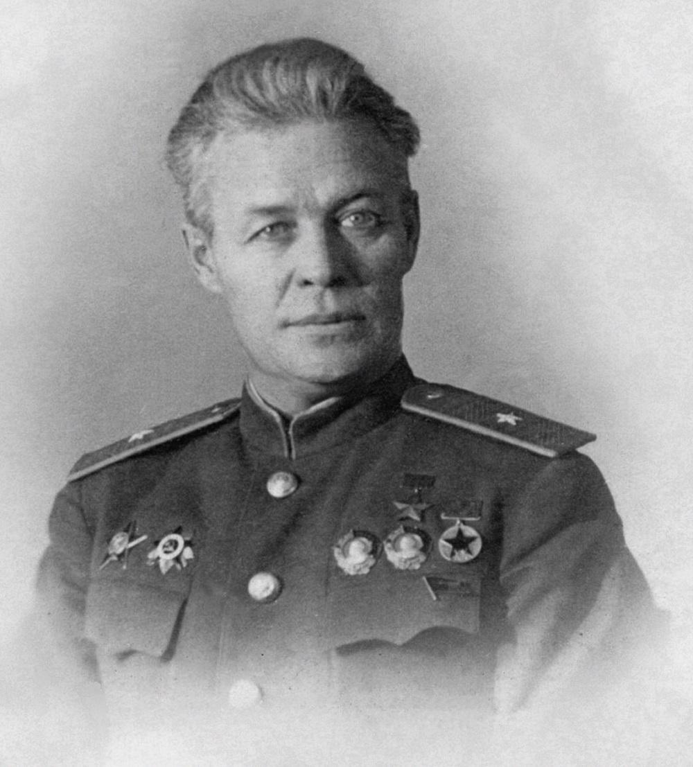 Герой Советского Союза генерал-майор авиации Василий Сергеевич Молоков.jpg