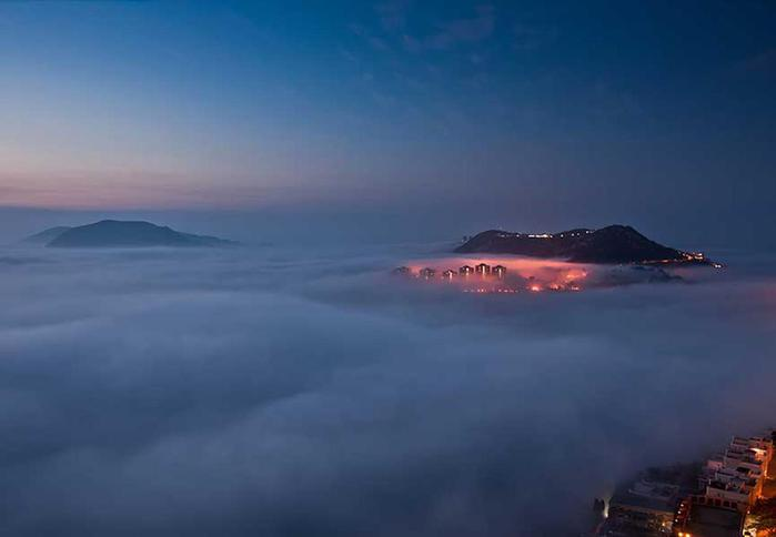 Красивые фотографии городов мира в густом тумане