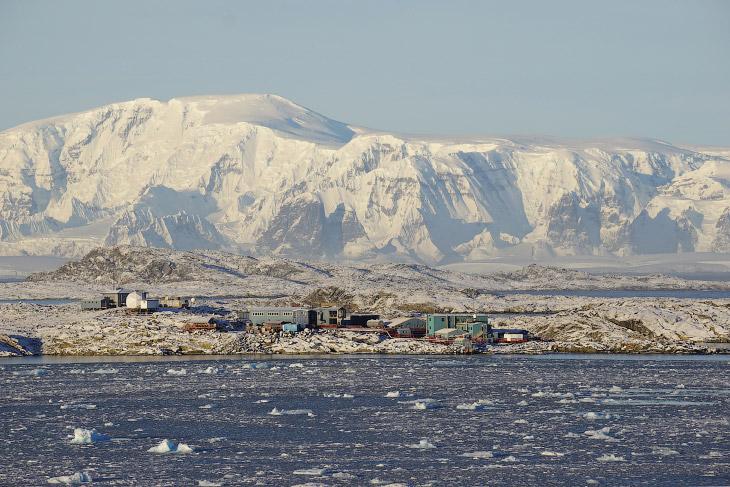 2. Северное сияние. (Фото Patrick Cullis | National Science Foundation):