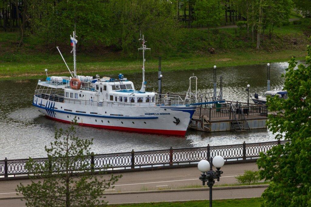 Корабль у причала, Ярославль