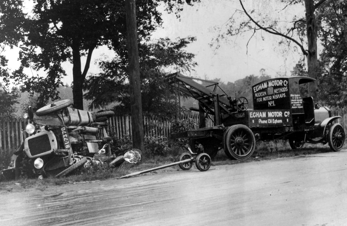 Автомобильные аварии в Лондоне и его окрестностях на фото 1-й половины 20 века (3)