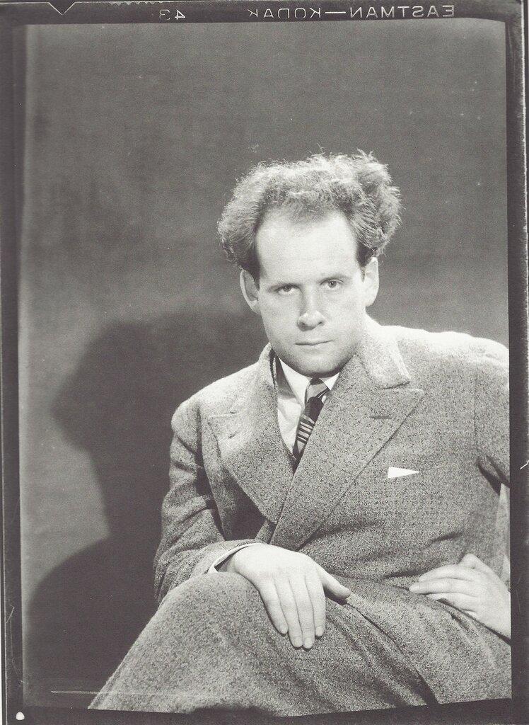 Man Ray- Sergueï Eisenstein, Paris, 1929.jpg