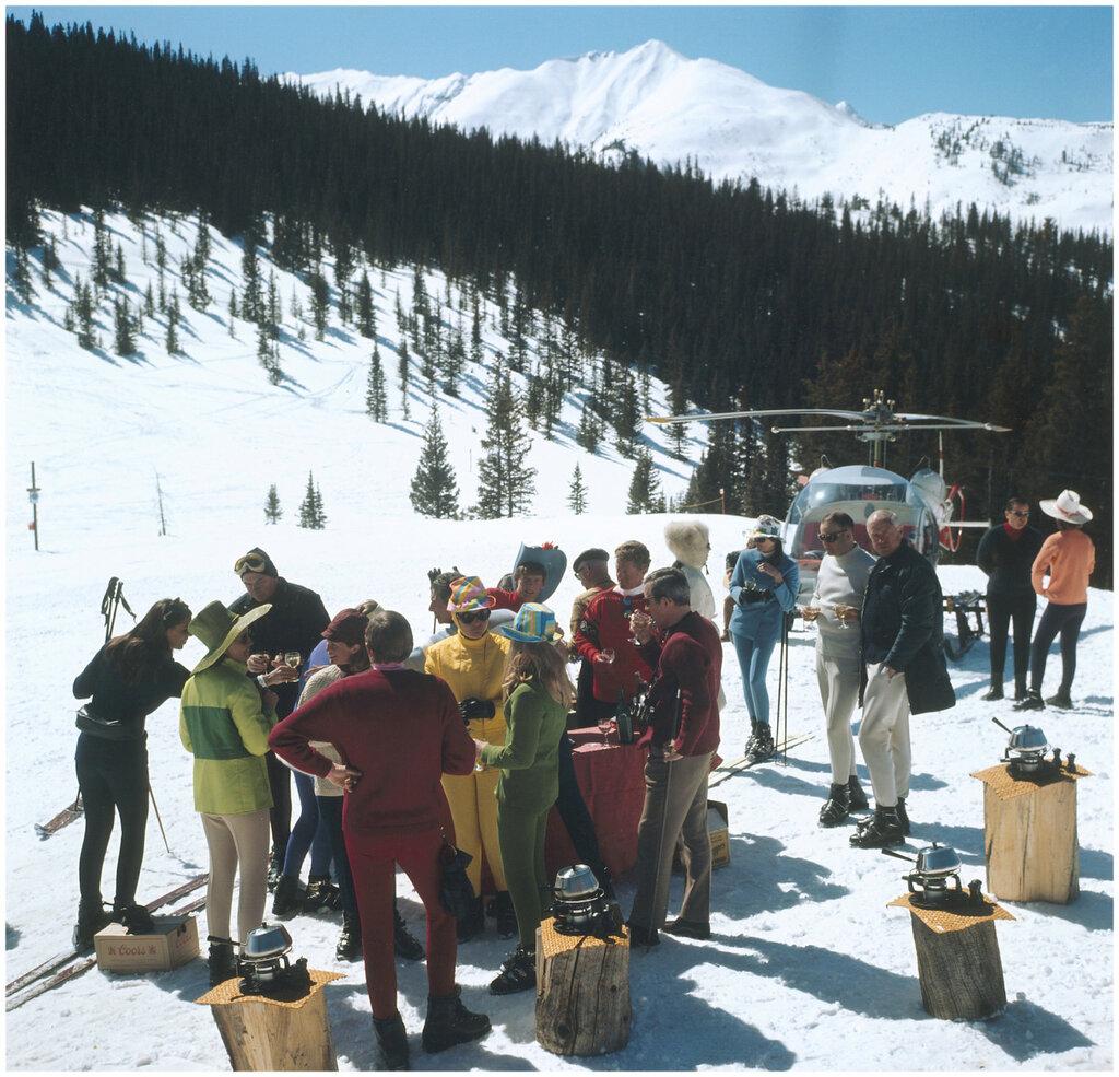 Ski party, Slim Aarons280.jpg