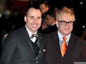 Элтон Джон вместе с мужем создадут сериал для телеканала HBO