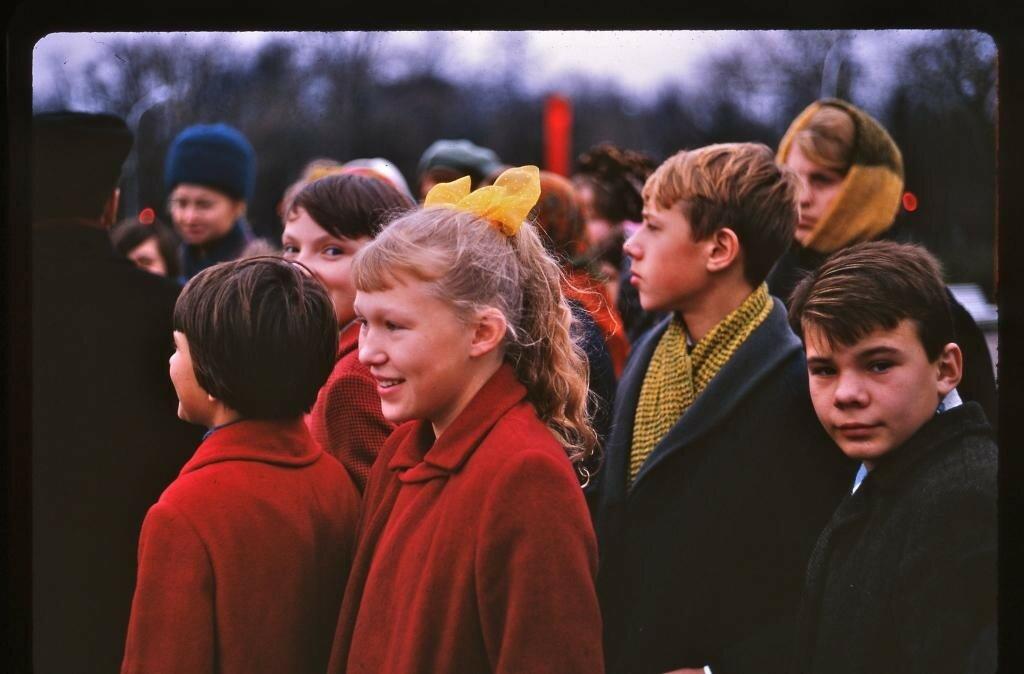 1967 Ленинград Празднование 50-летия Октября Arthur Tress.jpg