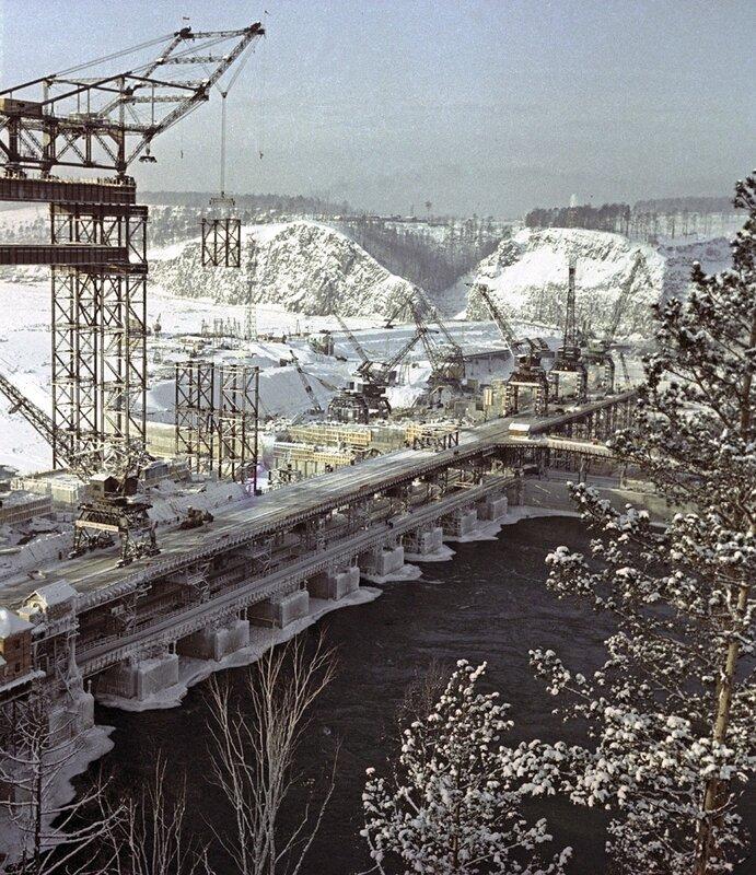 Строительство Братской гидроэлектростанции