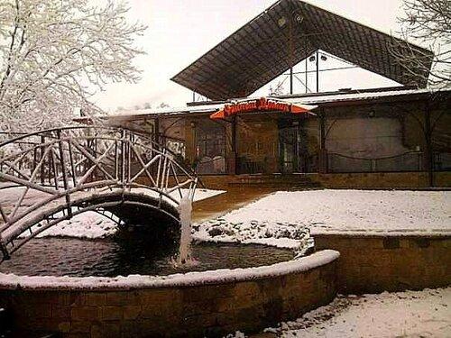 Чайный домик в снегу