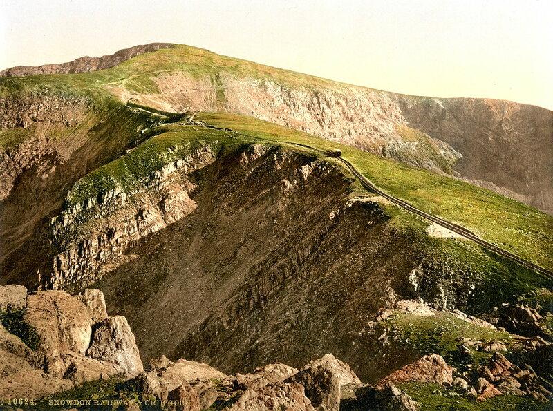 28. Железная дорога и хребет Криб Гох возле горы Сноудон