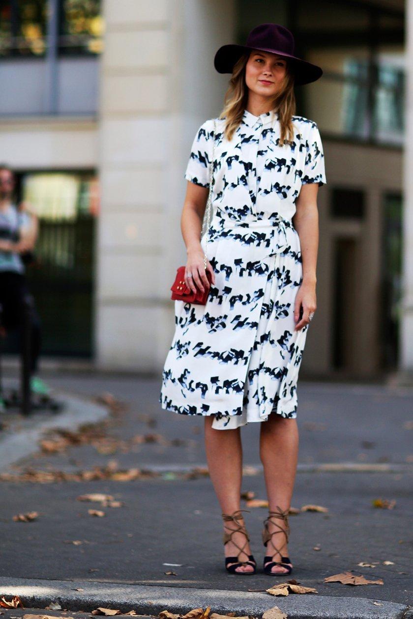 ретро платье с принтом, уличная мода Парижа 2015