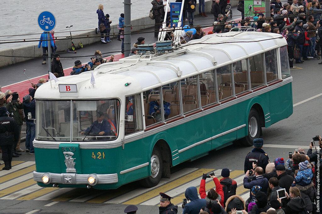 Парад-троллейбусов-05.jpg