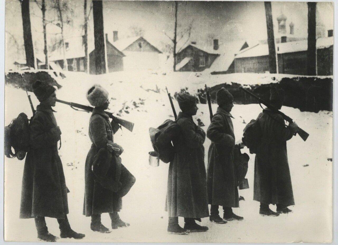 1918. Солдаты уходят с фронта. 1 марта