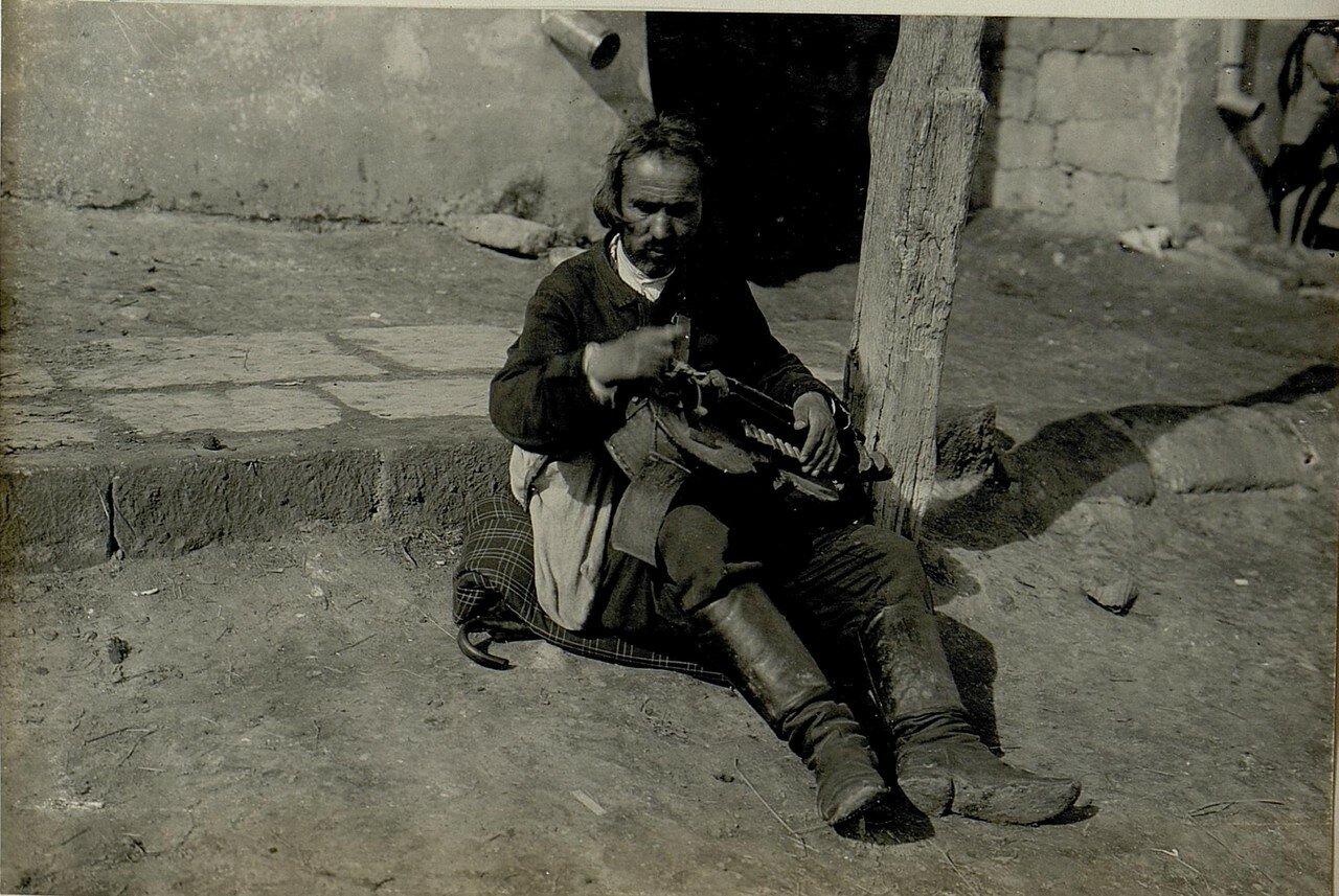 Галиция. Местный житель в Подгайцах
