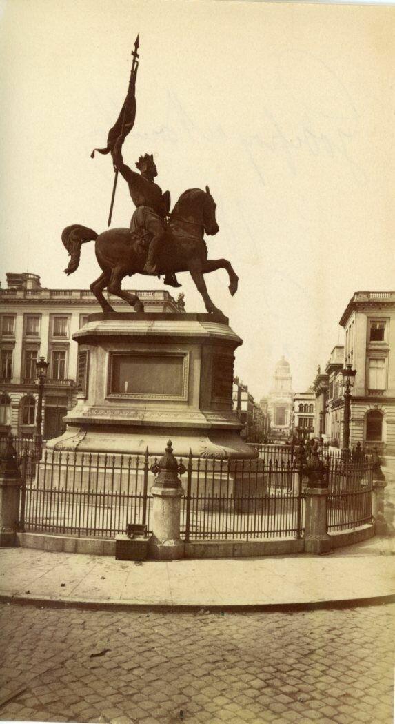 Статуя Годфруа Бульонского
