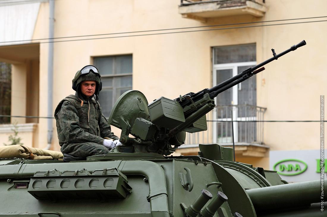 генеральная репетиция парада Победы в Волгограде гаубица Мста-С