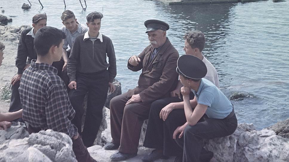 1954 Боцман И.Е. Безродный рассказывает о героическом прошлом Севастополя Николай Веринчук.jpg