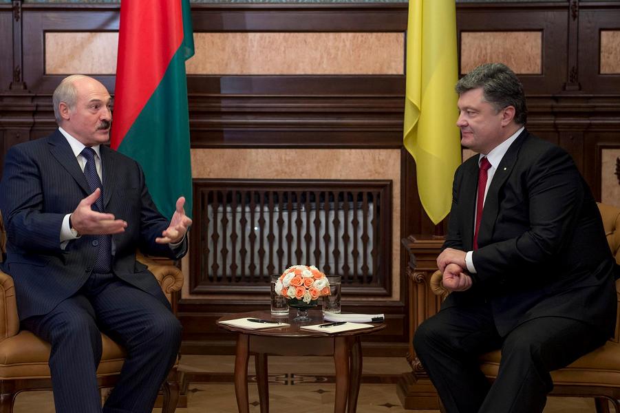 Лукашенко в гостях у Порошенко.png