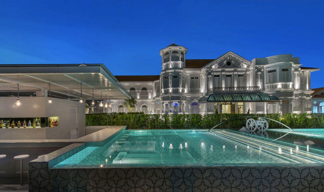 100 летний отель