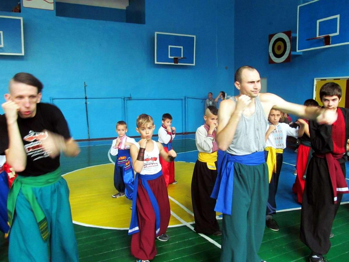 Квалификационный групповой экзамен в школе боевого гопака города Нетешин (Хмельницкая область) (25)