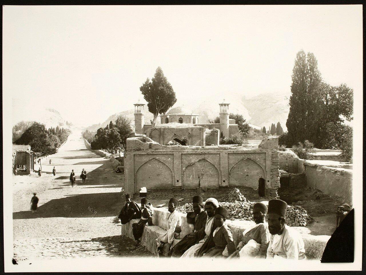 Шираз. Неустановленный комплекс гробниц