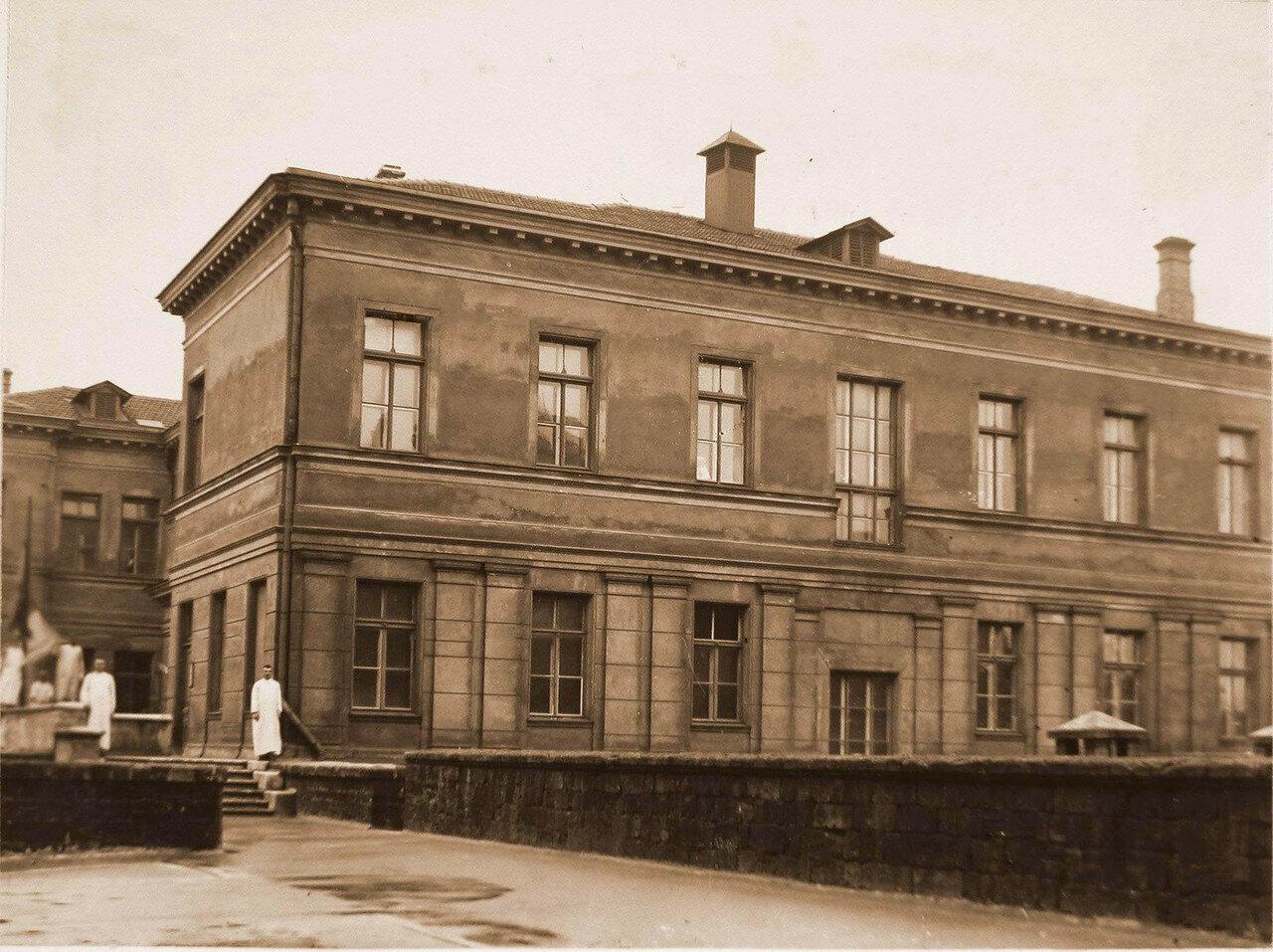03. Часть фасада офицерского лазарета (вид со двора)