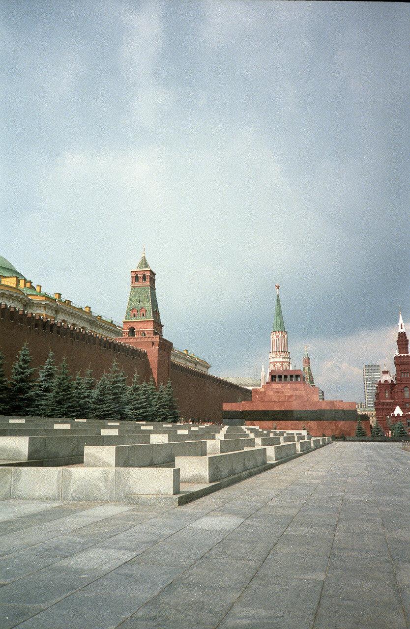 Вид на гробницу Ленина