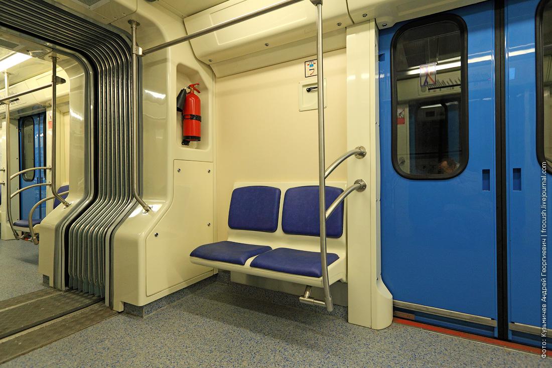 интерьеры вагона 81-760А метро