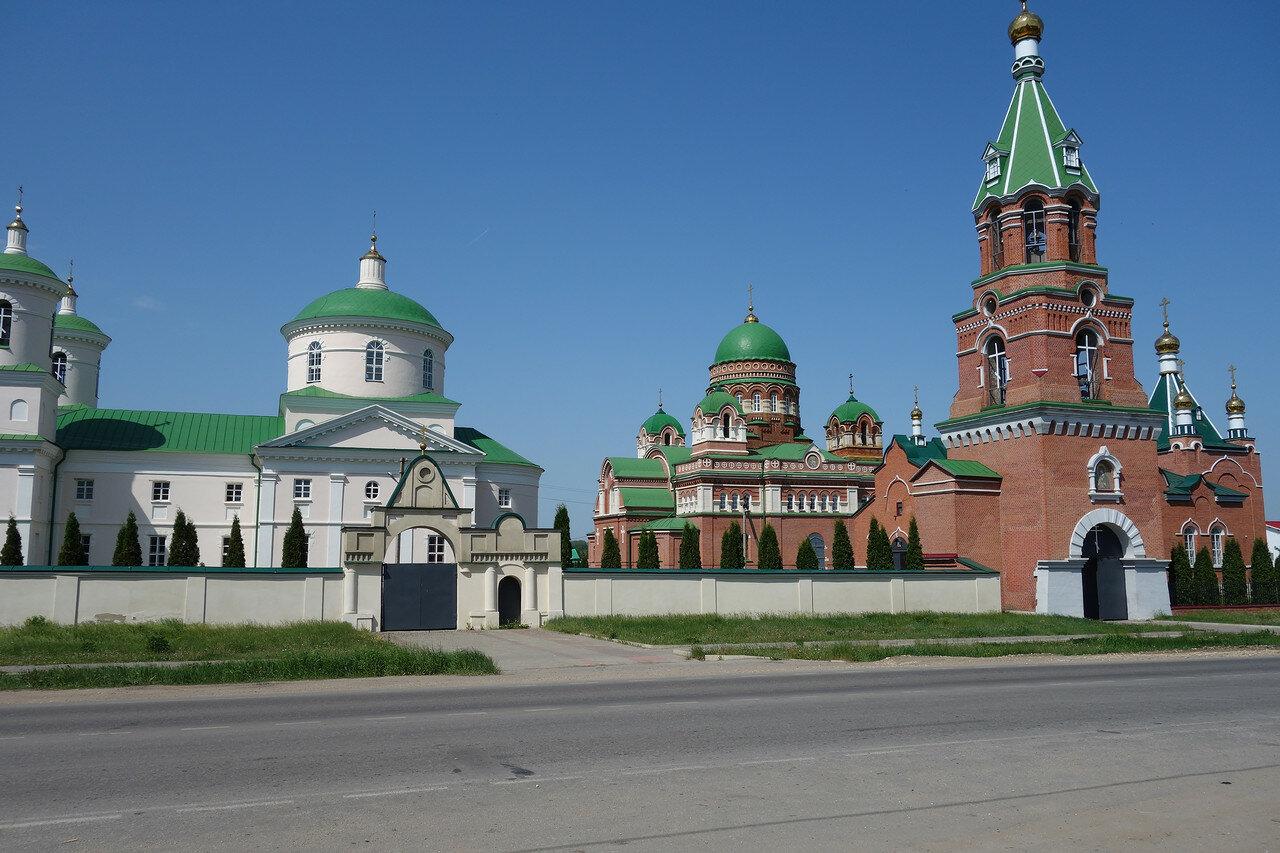 монастырь в селе Троекурово