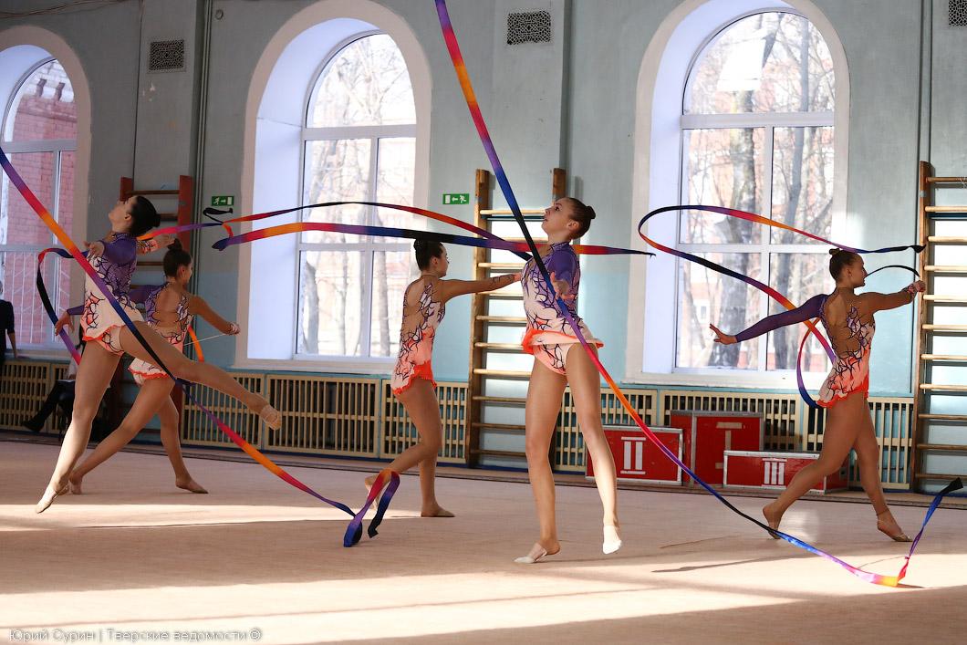 Художественная гимнастика в людинове фото