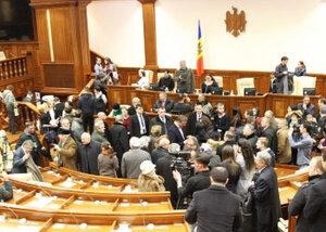 Депутаты Молдовы отложили избрание спикера
