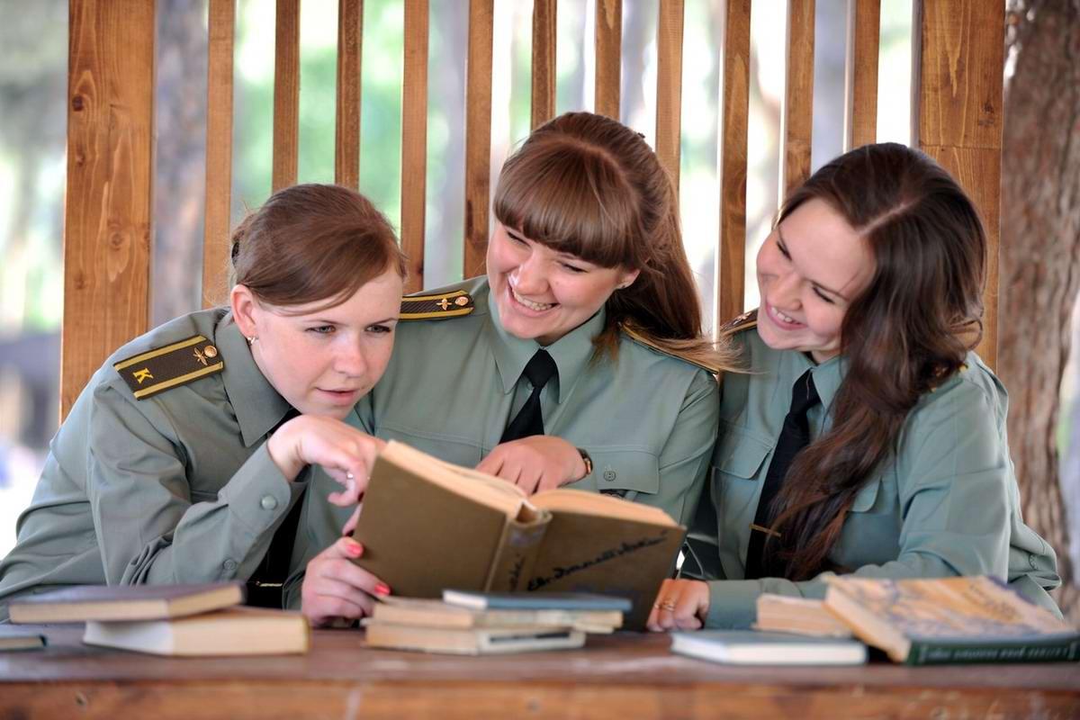 От тайги до британских морей ... : Лица девушек из Российской армии (7)