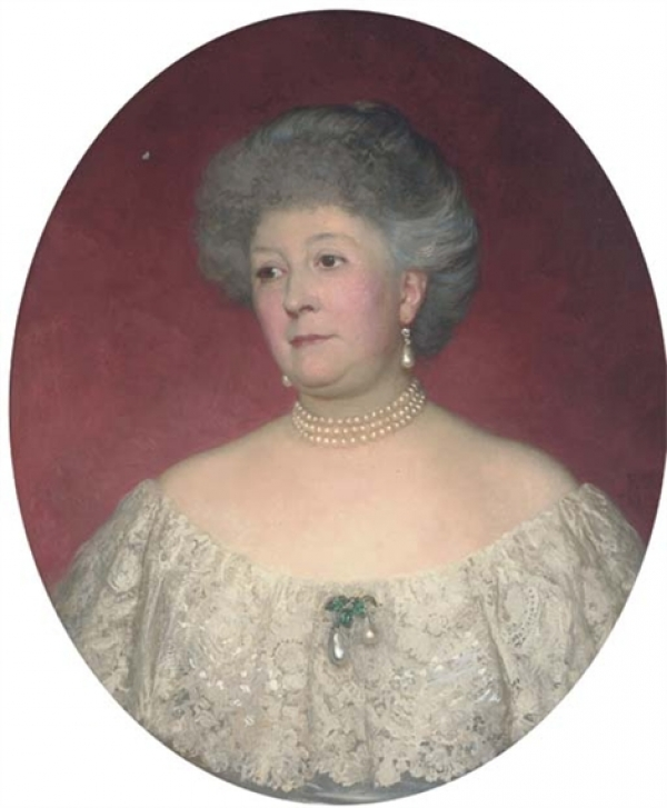 PORTRAIT OF MRS RALPH VIVIAN, BUST-LENGTH, IN A WHITE LACE-TRIMMED DRESS, PAINTED OVAL