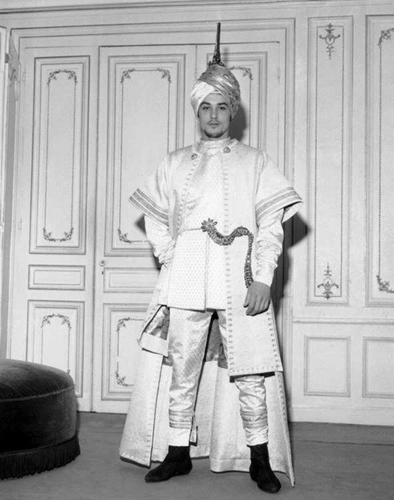 1962. В костюме для фильма «Сказочное приключение Марко Поло»