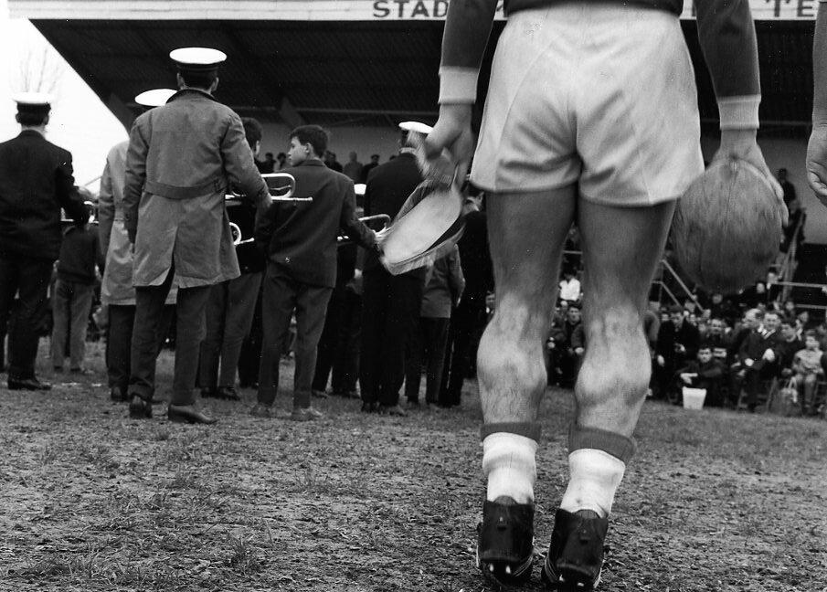 1964. На матче по регби