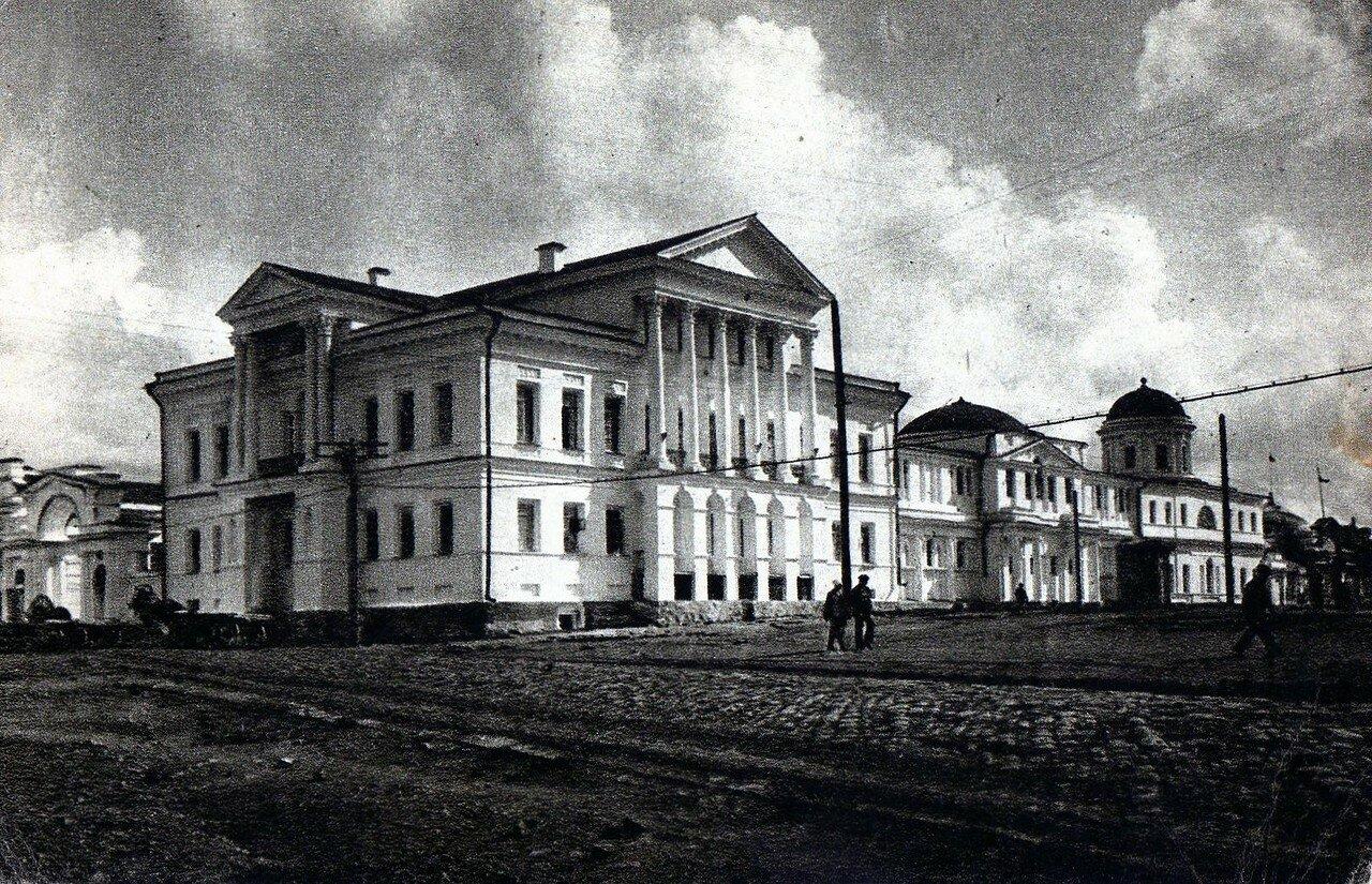 У садьба Расторгуева-Харитонова