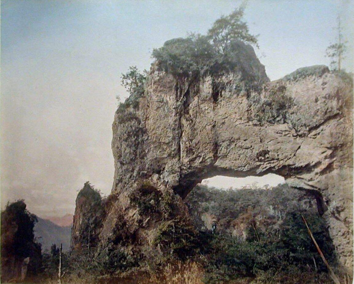 Четвертые скальные врата Наканотаке