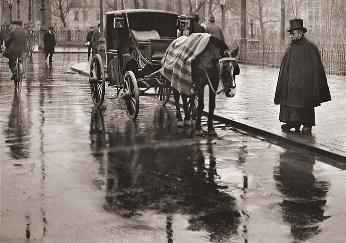 Rainy day in Amsterdam, 1908, Photographer: Bernd (Bernard) Eilers