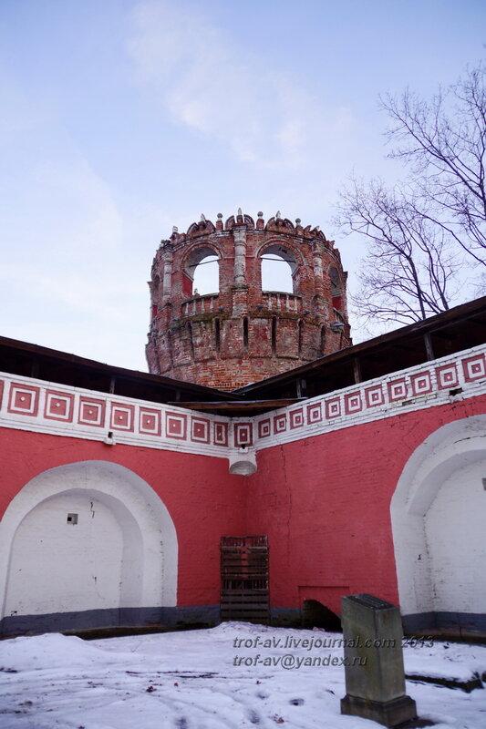 Угловая уго-восточная башня, Донской монастырь, Москва