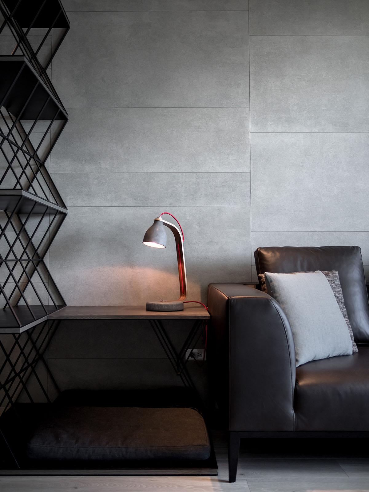 LGCA DESIGN, Lin Residence, серые станы в квартире фото, большие жалюзи на окнах фото, интерьер минимализм фото, квартиры в Тайване, обзор квартиры