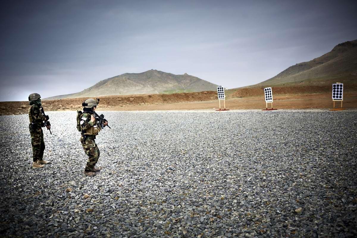 Афганские женщины из спецподразделений МВД Афганистана: картинки из жизни (6)