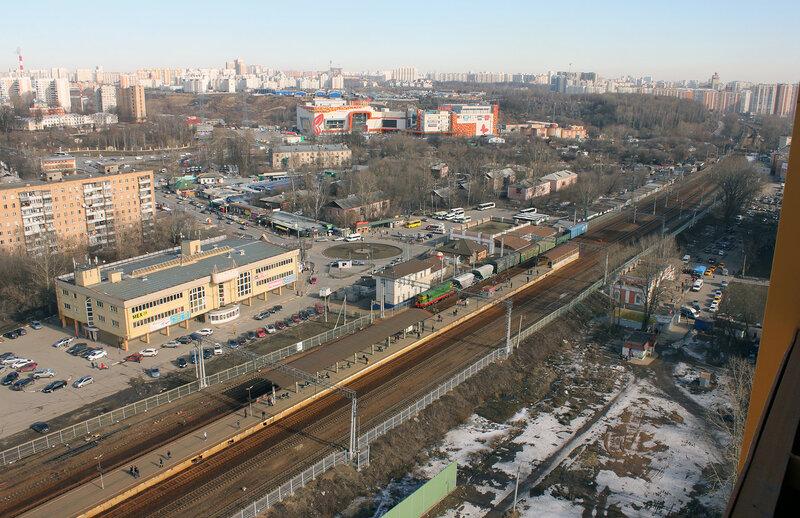 Станция Павшино, вид на Тушино и ЧМЭ3-6004