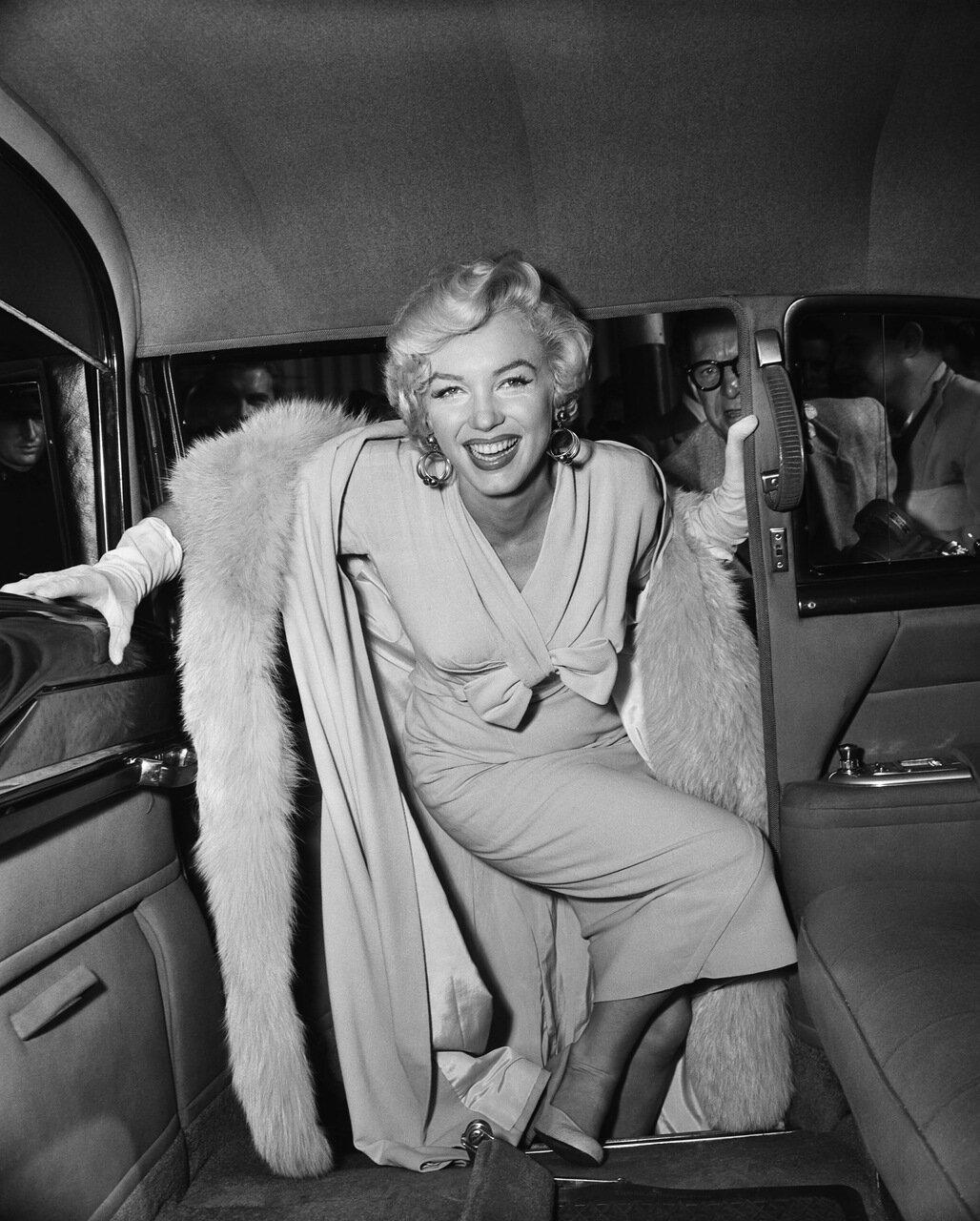 Marilyn Monroe Boarding a Car